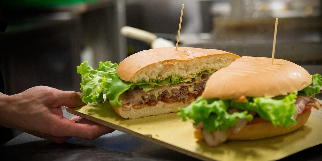 Panino con Hamburger da 1 kg Chick A Boom
